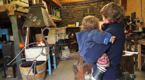 Roxane et Pierre, céramiste et forgeron, ateliers d'art Saint Arcons d'Allier